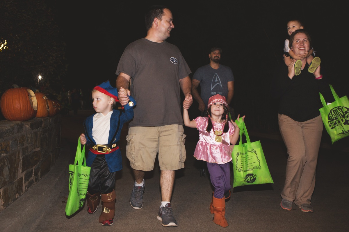 Pirates Trick or treating at OKC Zoo 2015