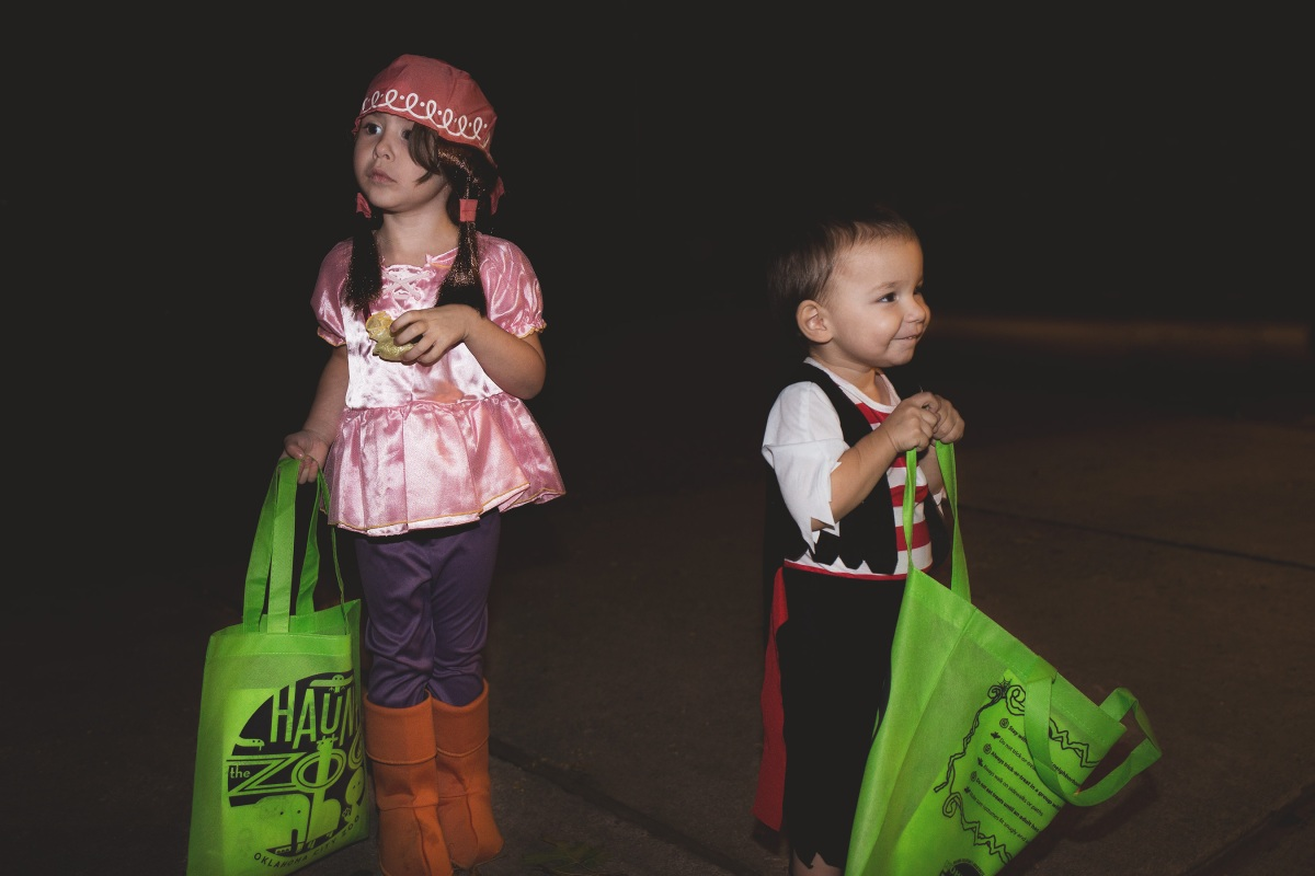 pirates trick or treating at Haunt the OKC Zoo 2015