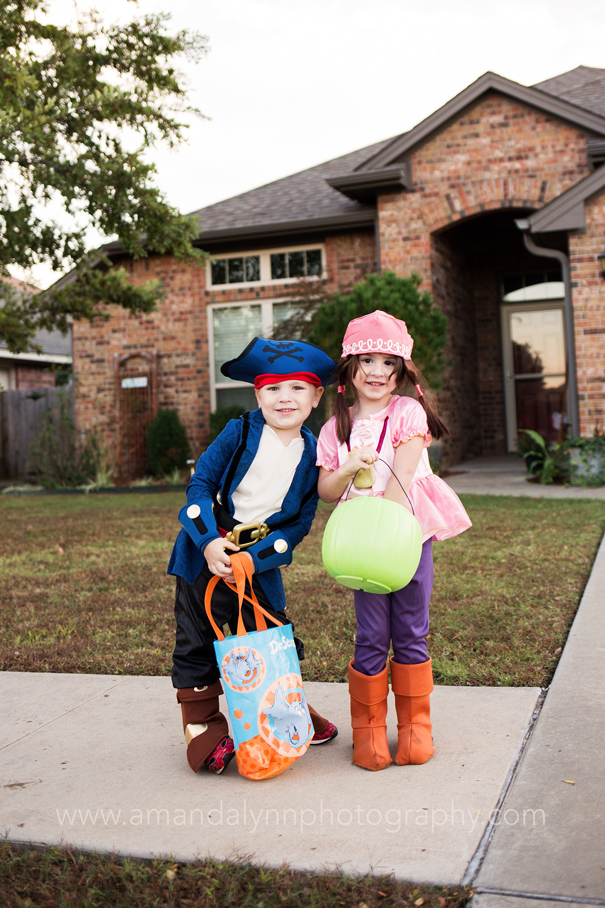 kids dressed as pirates for halloween in stillwater oklahoma